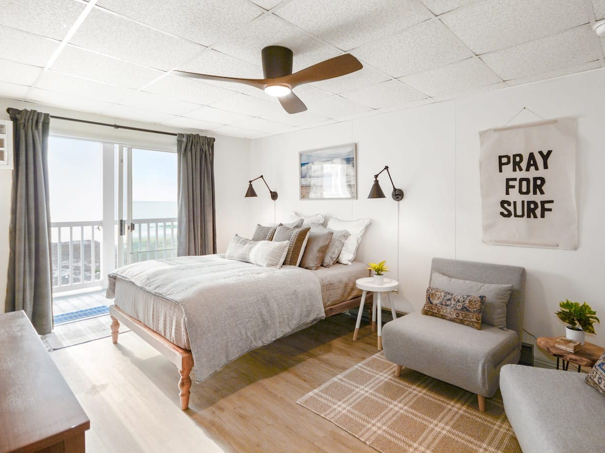 Contemporary chic studio with direct beach access in midtown Ocean City