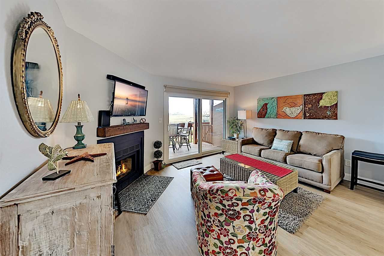bayview_condo_with_pool_and_deck_OC_ _turnkey