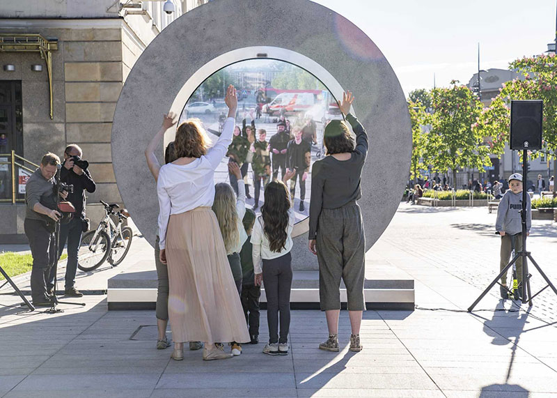 portal statues vilnius lublin lithuania poland 6 Portals Erected in Lithuania and Poland Let People See Each Other in Real Time